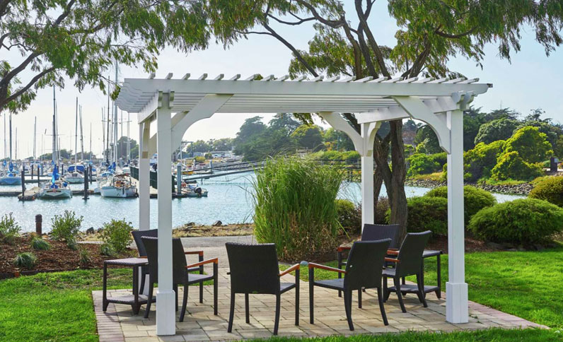 Outdoor event space at Berkeley Boathouse
